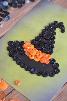 Need a seasonal craft to keep the kids happily busy? This witch hat button craft should not be difficult. There is no drawing or painting but kids do need to be old enough to handle a low temp glue gun, with your supervision. Alternately, regular glue could be used but... #button #craft #featured