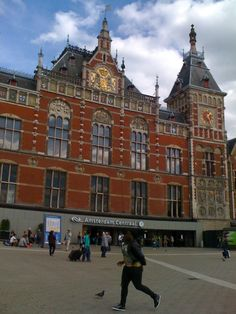 This front of Amsterdam Central Station has literally been unseen for a decade at least. But the rebuilding is finally finished!
