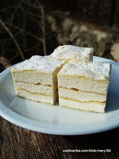Apple Rose Pastry, Apple Roses, Bakery Recipes, Dessert Recipes, Cooking Recipes, Desserts, Kolaci I Torte, Serbian Recipes, Vanilla Cake