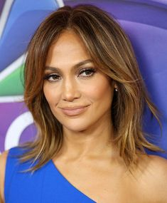 Jennifer Lopez at the 2016 Winter TCA Tour – NBCUniversal Press Tour – at The Langham Huntington Hotel in Los Angeles on January 2016 Jennifer Lopez Hair Color, Jennifer Lopez Short Hair, Medium Hair Styles, Curly Hair Styles, Messy Bob Hairstyles, Brown Blonde Hair, Blonde High, Good Hair Day, Hair Dos
