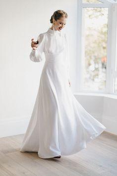 Dress Harlow by Cherubina Simple Wedding Gowns, Minimalist Wedding Dresses, Classic Wedding Dress, White Wedding Dresses, Bridal Dresses, Bridal Hat, Bridal Style, Conservative Wedding Dress, Wedding Dress Sleeves