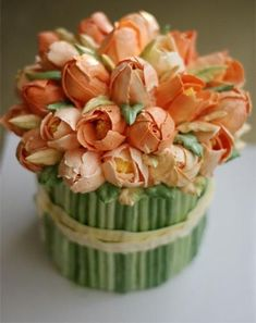 Buttercream tulip bouquet cake/ Торт цветочный букет тюльпанов Find more here https://www.facebook.com/wedding.tradition