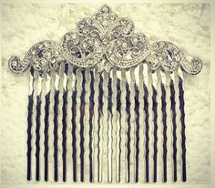 beautiful vintage hair comb
