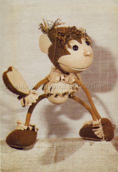 Hakapeszi Maki aki, ha kap eszik! CSOKOLÁDÉT!! Kedves tv-s gyerekműsorból! Retro 1, Retro Vintage, Naha, Hungary, Childhood Memories, Character Design, Old Things, Geek Stuff, Teddy Bear