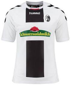 le Nouveau Maillot de foot Freiburg Exterieur 2016 2017 est blanc avec une grande bande verticale noire sur le devant.
