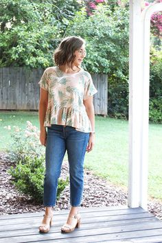 Hello, sewing friends!! I'm Heidi of Handmade Frenzy. I am so thrilled to be back here on the blog, sharing another hack tutorial with you! Today I am going to show you how I took the Waterfall Raglan Pattern, designed for knits, and used a woven fabric to recreate a fun and popular style of shirt! Pattern Weights, Pdf Sewing Patterns, Top Pattern, Warm Weather, Waterfall, Dresses With Sleeves, Instagram Giveaway, Woven Fabric, Indie