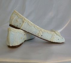 Something Blue Wedding Ballet flats #lace #flats www.loveitsomuch.com