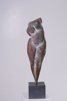 'Staand Model II' by Dutch sculptor Tom Seerden via Galerie T Human Sculpture, Stone Sculpture, Sculpture Clay, Abstract Sculpture, Sculpture Ideas, Ceramic Sculpture Figurative, Figurative Art, Ceramic Figures, Ceramic Art