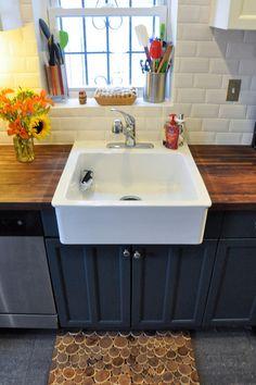 Love the dark Cabinet, white sink and butcher block | Narragansett Green, Benjamin Moore