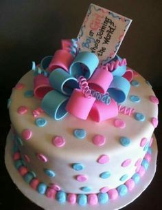 I like this one!!.... #genderreveal #cakeideas