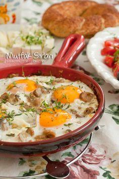 mantarli_yumurt zu - Pin This Healthy Dinner Recipes, Breakfast Recipes, Turkish Kitchen, Food Porn, Middle Eastern Recipes, Lunch Snacks, Turkish Recipes, Kebabs, Mediterranean Recipes