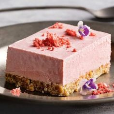 We've rounded up our most popular, most delicious cheesecake recipes so that you can nail dessert every time. Healthy Cake Recipes, Baking Recipes, Low Carb Recipes, Snack Recipes, Baking Snacks, Snacks Ideas, Diet Recipes, Low Carb Cheesecake, Strawberry Cheesecake