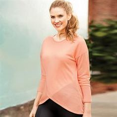 Casual Crossover Top in Misses.Crossover top in an easy, relaxed fit. This shirt will become an essential to throw on in a hurry. Multi-purpose and ultra-soft fabric, a casual, chic top for a sporty look. Avon Fashion, Fashion Online, Women's Fashion, Fashion Sale, Avon Clothing, Crossover, Athleisure Outfits, Sporty Look, Clothes For Women