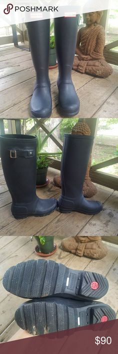 Matte Black Hunter Wellies Matte Black, very good pre-loved condition. No big scratches or rips or defects. Please see all photos. Worn a handful of times. Size 6. I usually wear a 6.5-7 and want to size up. Hunter Shoes Winter & Rain Boots