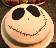 Halloween Treats, Halloween Party, Sweet Tooth, Cake, Desserts, Recipes, Food, Tailgate Desserts, Deserts