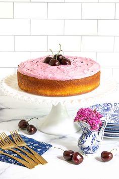 Cherry And Almond Cake, Almond Cakes, The Fresh, Fresh Cherry, Almond Recipes, Baking Recipes, Party Desserts, Dessert Recipes, Sweet Cherries