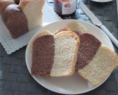 Le scorte per le mie colazioni homemade erano terminate e così mi stavo accingendo a preparare uno dei miei consueti pan bauletti a lievitazione nat