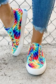 Dress With Sneakers, Sneakers Fashion, Fashion Shoes, Ty Dye, Tie Dye Rainbow, Steve Madden Shoes, Cute Shoes, Fashion Boutique, Leather Sandals