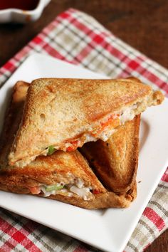 Eggless mayo veg sandwich, easy and filling!  Recipe @ http://cookclickndevour.com/mayonnaise-sandwich-recipe  #cookclickndevour #recipeoftheday #breakfastideas