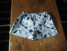 Size 6 - navy and white floral shorts