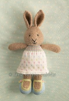 little cotton rabbits ~ the most adorable knitted rabbits ever! Knitted Bunnies, Knitted Animals, Knitted Dolls, Crochet Toys, Knitting For Kids, Knitting Projects, Baby Knitting, Crochet Projects, Knitting Patterns