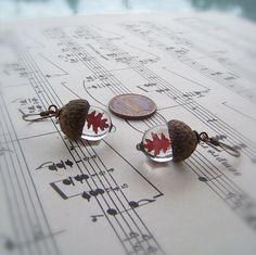 glass-acorn-jewelry-necklaces-earrings-bullseyebeads-1