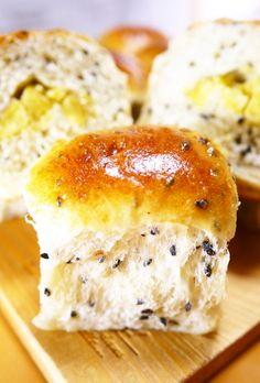 卵と牛乳♪黒ごまさつまいも★ちぎりパン