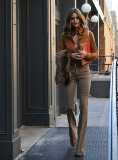 So chic! Love how long her legs look! #oliviapalermo #style