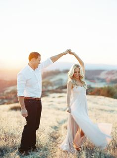 Forget everything you've ever known about traditional engagement photos - *ahem* awkward poses, matching outfits - and turn your eyes to this wine country lovefest that'll sweep you off your feet. Styled in the dreamiest of fashions, it's the e-sesh elevated and Patrick