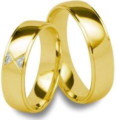 Argollas mod. Roses en oro amarillo y diamantes en la argolla de dama
