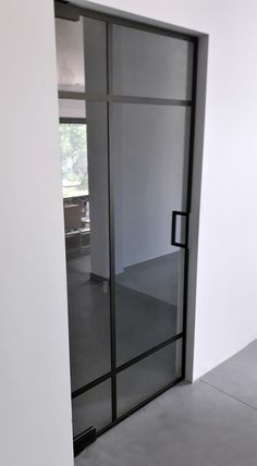 Drzwi Loftowe - Industrialne | Drzwi wewnętrzne - zabudowy szklane - drzwi loft - podłogi Home Design Decor, House Design, Home Decor, Mirror Door, Diy Home Crafts, Divider, Loft, Doors, Furniture