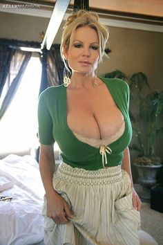 Busty Mature Picture 97