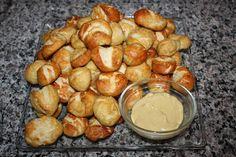 Christy: Football Food: Pretzel Bites