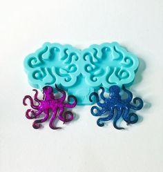 Diy Resin Art, Diy Resin Crafts, Uv Resin, Polymer Clay Art, Art Crafts, How To Make Silicone, Diy Silicone Molds, Resin Molds, Resin Jewelry