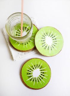 Coasters - Kiwi Drink Coasters - Best Quick DIY Gifts and Home Decor - Easy . DIY Coasters - Kiwi Drink Coasters - Best Quick DIY Gifts and Home Decor - Easy . The Coasters, Drink Coasters, Wooden Coasters, Wood Crafts, Diy And Crafts, Decor Crafts, Party Crafts, Christmas Presents For Him, Diy Party Decorations