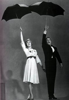 Julie Andrews y Gene Kelly, 1960.