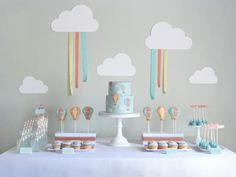 Mesa de festa decorada com tema de balões: tendência (crédito da foto: Kara's party ideas)