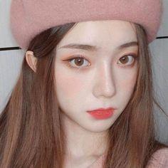 Makeup Korean Style, Korean Natural Makeup, Korean Eye Makeup, Asian Makeup, Korean Beauty Girls, Pretty Korean Girls, Cute Korean Girl, Cute Makeup, Makeup Looks