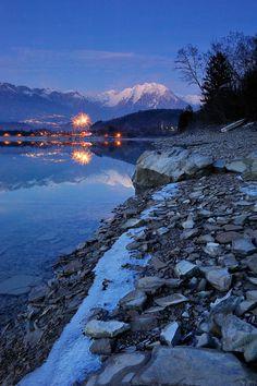 Lago di Santa Croce Alpago Belluno Dolomiti Veneto Italia foto di Angelo Bressan