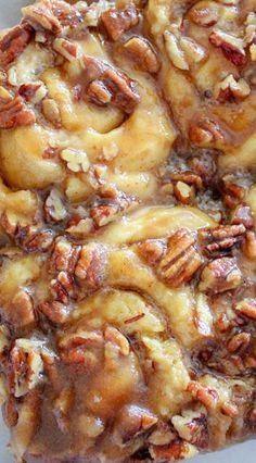 Caramel Pecan Cinnamon Rolls - Recipes Inspired by Mom Caramel Pecan Cinnamon Rolls Recipe, Cinnabon Cinnamon Rolls, Pecan Rolls, Pecan Roll Candy Recipe, Pecan Danish Recipe, Homemade Cinnamon Rolls, Biscuit Cinnamon Rolls, Caramel Rolls, Homemade Rolls