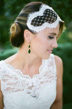 44 Chic Bridal Vintage-Inspired Headpieces | HappyWedd.com