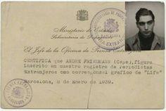 Carnet de Capa como fotógrafo extranjero acreditado por el Gobierno de la Republica