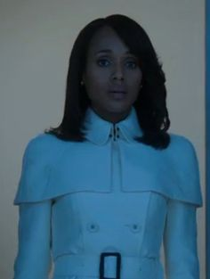 Scandal Fashion: Olivia's White Caped Trench - http://shetv.net/scandal-fashion-olivias-white-caped-trench/
