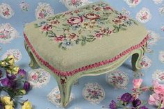 Idea for some of my vintage needlepoint pieces Wabi Sabi, Cot Quilt, Antique Paint, Vintage Accessories, Fabric Flowers, Needlepoint, Painted Furniture, The Help, Needlework