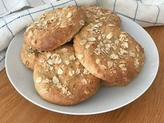 Glutenfria snabba havrefrallor | Glutenfria godsaker Gluten Free Buns, Gluten Free Cakes, Gluten Free Baking, Gluten Free Vegetarian Recipes, Our Daily Bread, Bread Baking, Food Inspiration, Appetizer Recipes, Sweet Recipes