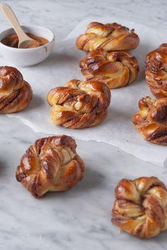 Koldhævede kanelsnurrer | Cold raised cinnamon swirls