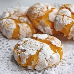 Biscuits with lemon and coconut Desserts With Biscuits, No Cook Desserts, Cracked Cookies, Nutella Cookie, Cookie Recipes, Dessert Recipes, Biscuit Cookies, Food Cakes, Sweet Recipes
