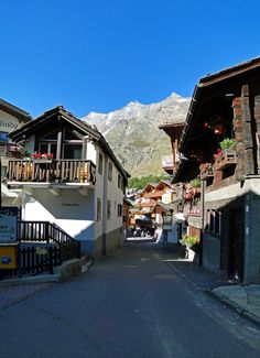 SAAS FEE - SWITZERLAND Travel Europe, European Travel, Beautiful Scenery, Beautiful Places, Switzerland Itinerary, Saas Fee, Lucerne Switzerland, Zermatt, Swiss Alps