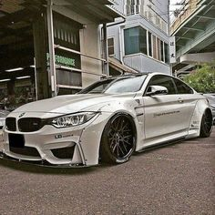 BMW M4 LBworks