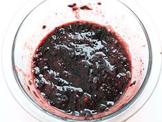 Blackberry Freezer Jam, a seasonal fruit preserve made with blackberries, is a mouth watering jam. Learn how to make yummy and delicious Blackberry Freezer Jam with this recipe. Mixed Fruit, Fresh Fruit, Healthy Eating Tips, Healthy Nutrition, Blackberry Freezer Jam, Freezer Jam Recipes, Fruit Preserves, Roasted Meat, Fruit In Season